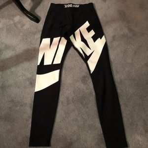 BNWOT Nike Leggings
